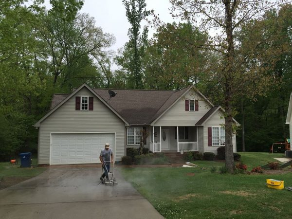 professional driveway cleaning greenville e1578095665546
